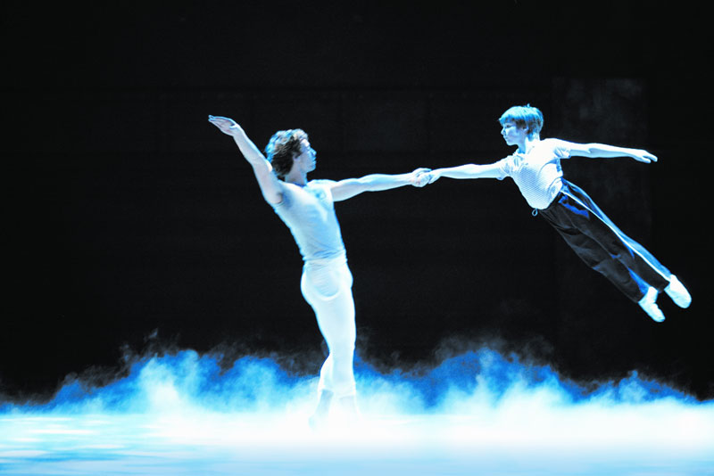 """Photo of """"Billy Elliot"""" estreia em agosto no Brasil"""