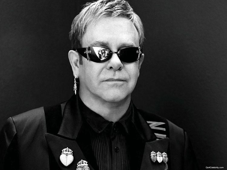 Photo of Elton John lança companhia de teatro musical