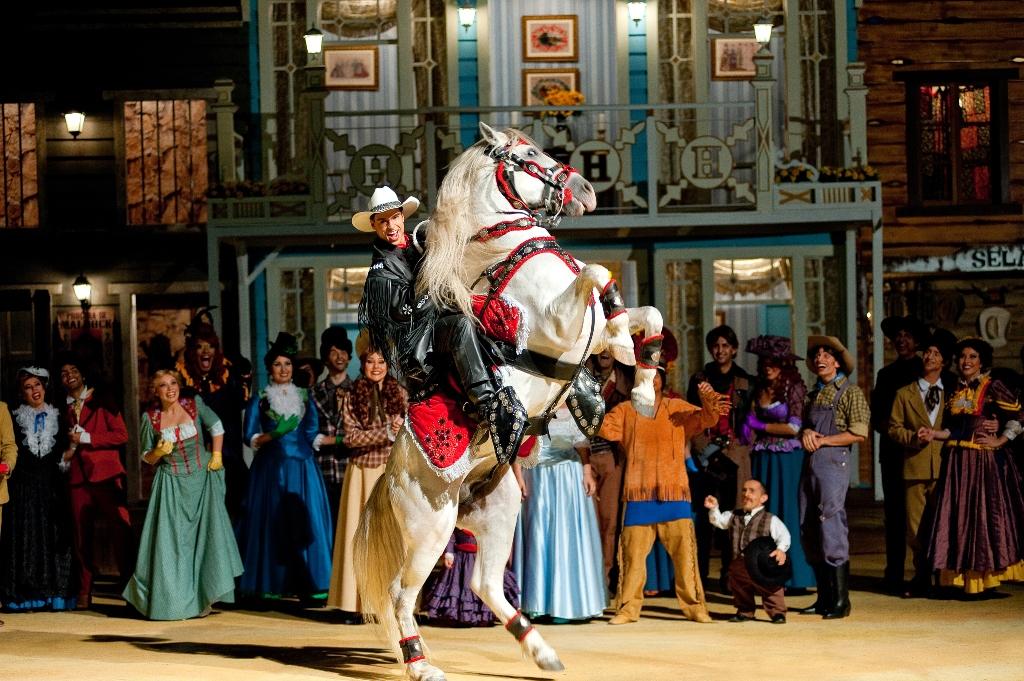 Photo of Musical de faroeste faz sucesso em parque temático