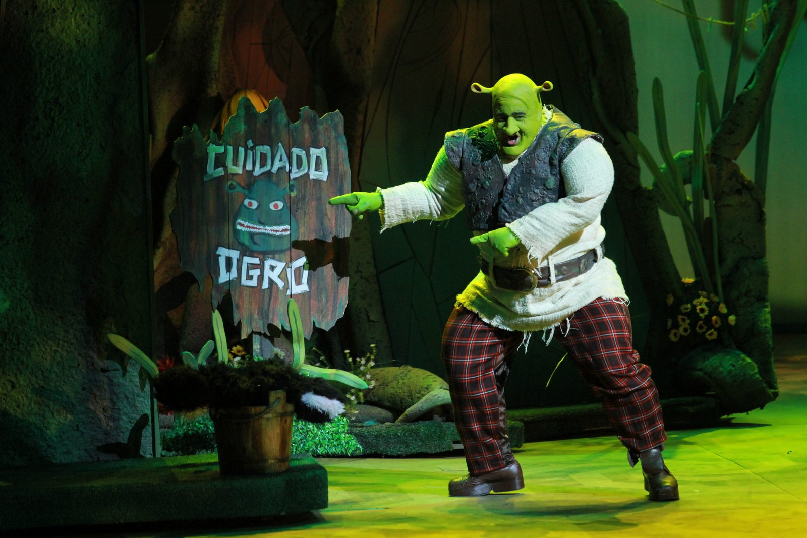 "Photo of Conheça o elenco da temporada paulistana de ""Shrek – O Musical"""