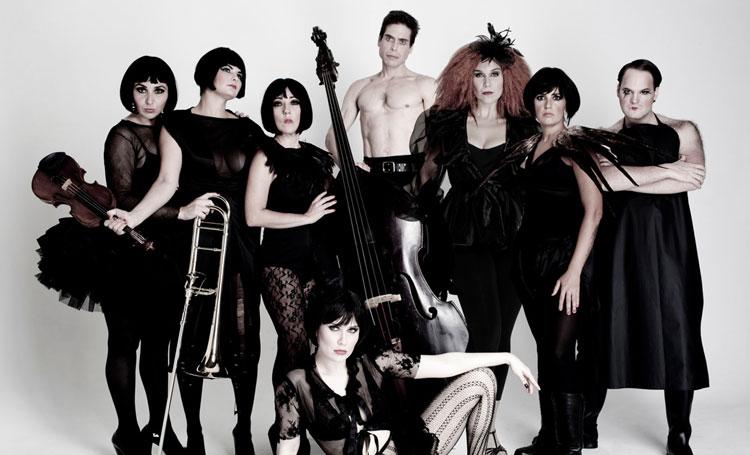 """Photo of """"Cabaret Luxúria"""" reestreia e leva clássicos de Cole Porter, Gershwin e Chico Buarque ao palco"""
