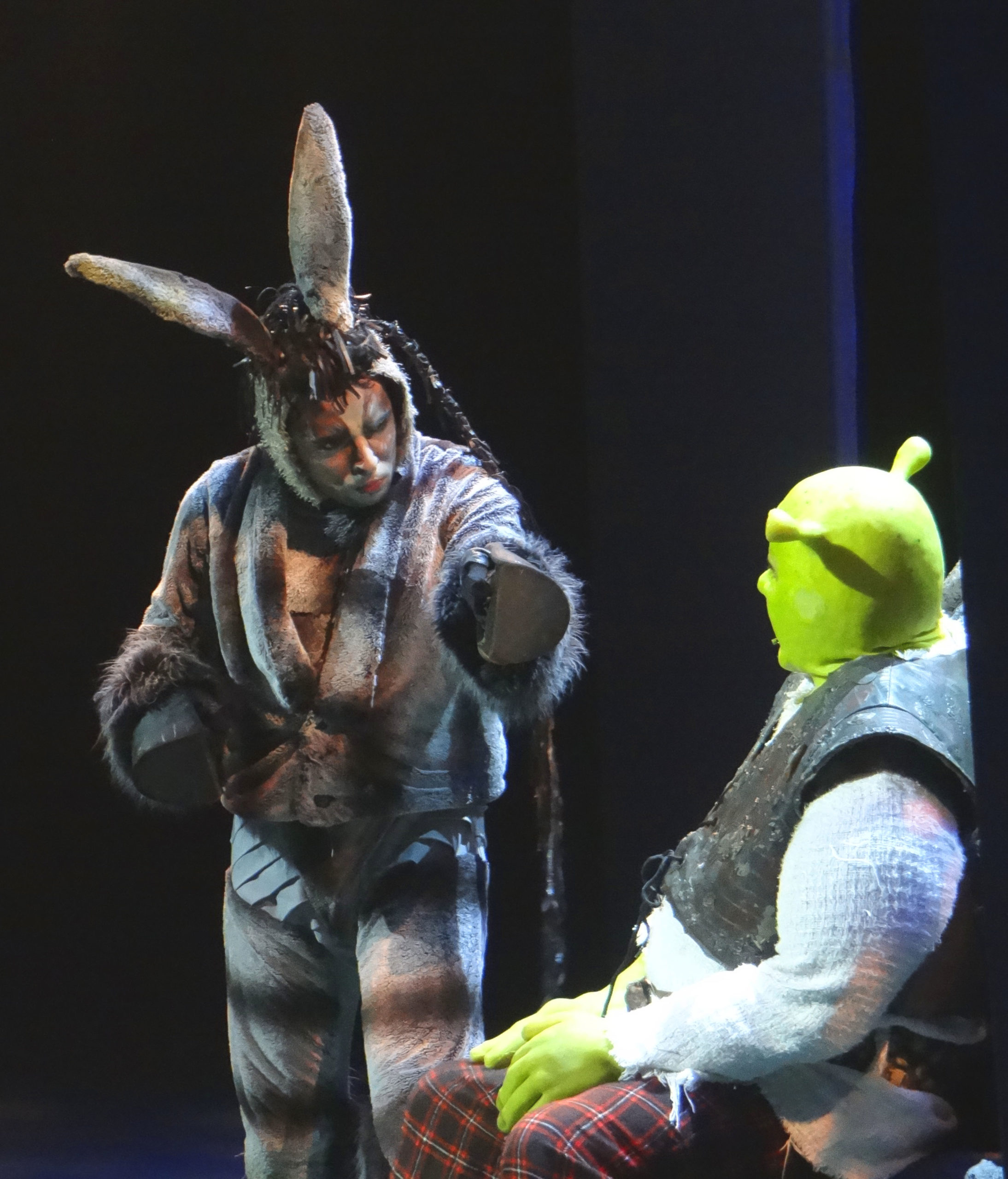 "Photo of Beto Sargentelli assume o personagem Burro Falante em ""Shrek"""