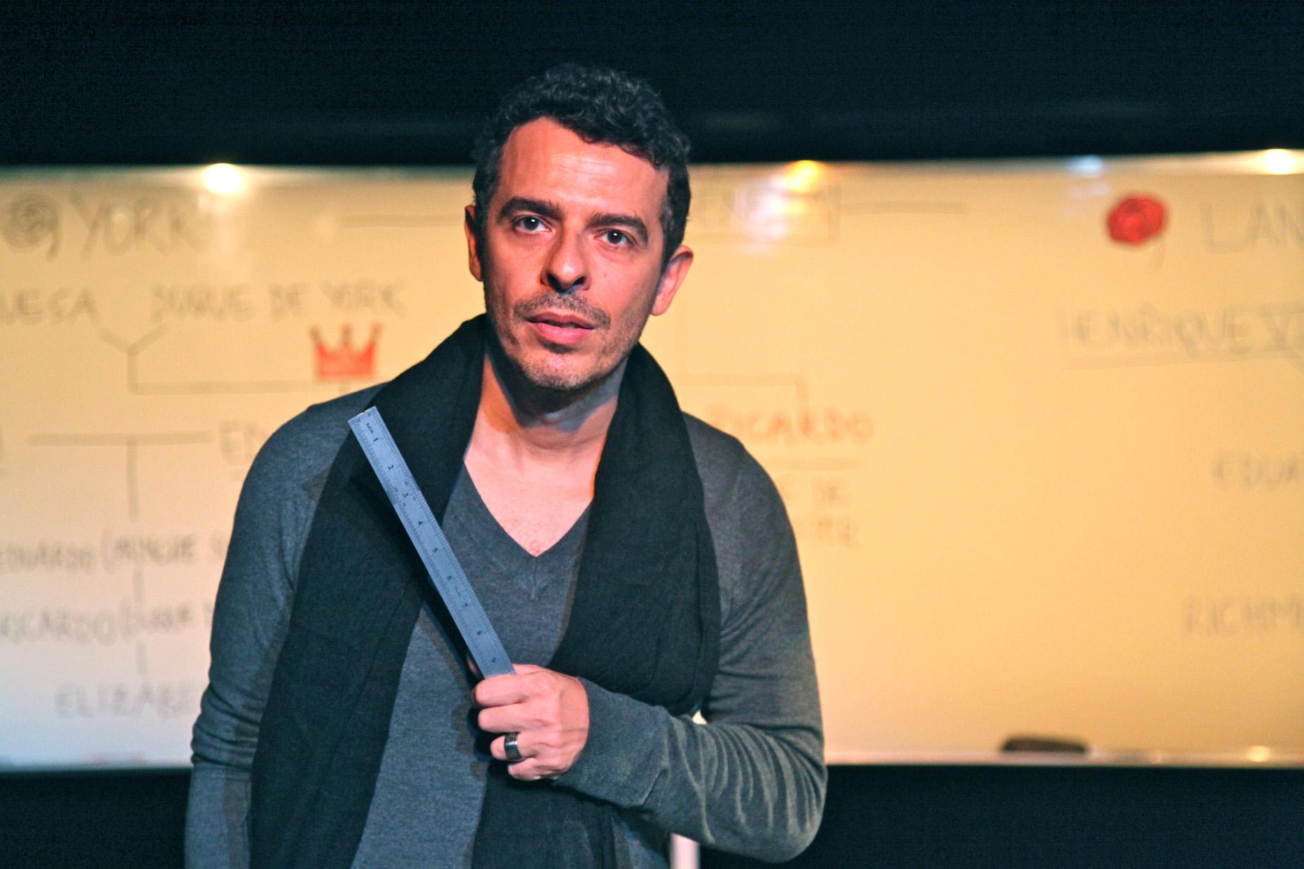 Photo of Gustavo Gasparani fala sobre sua identidade com o teatro musical brasileiro