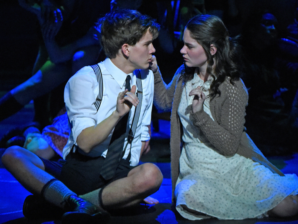 """Photo of Remontagem de """"Spring Awakening"""" chega à Broadway com encenação em linguagem de sinais"""