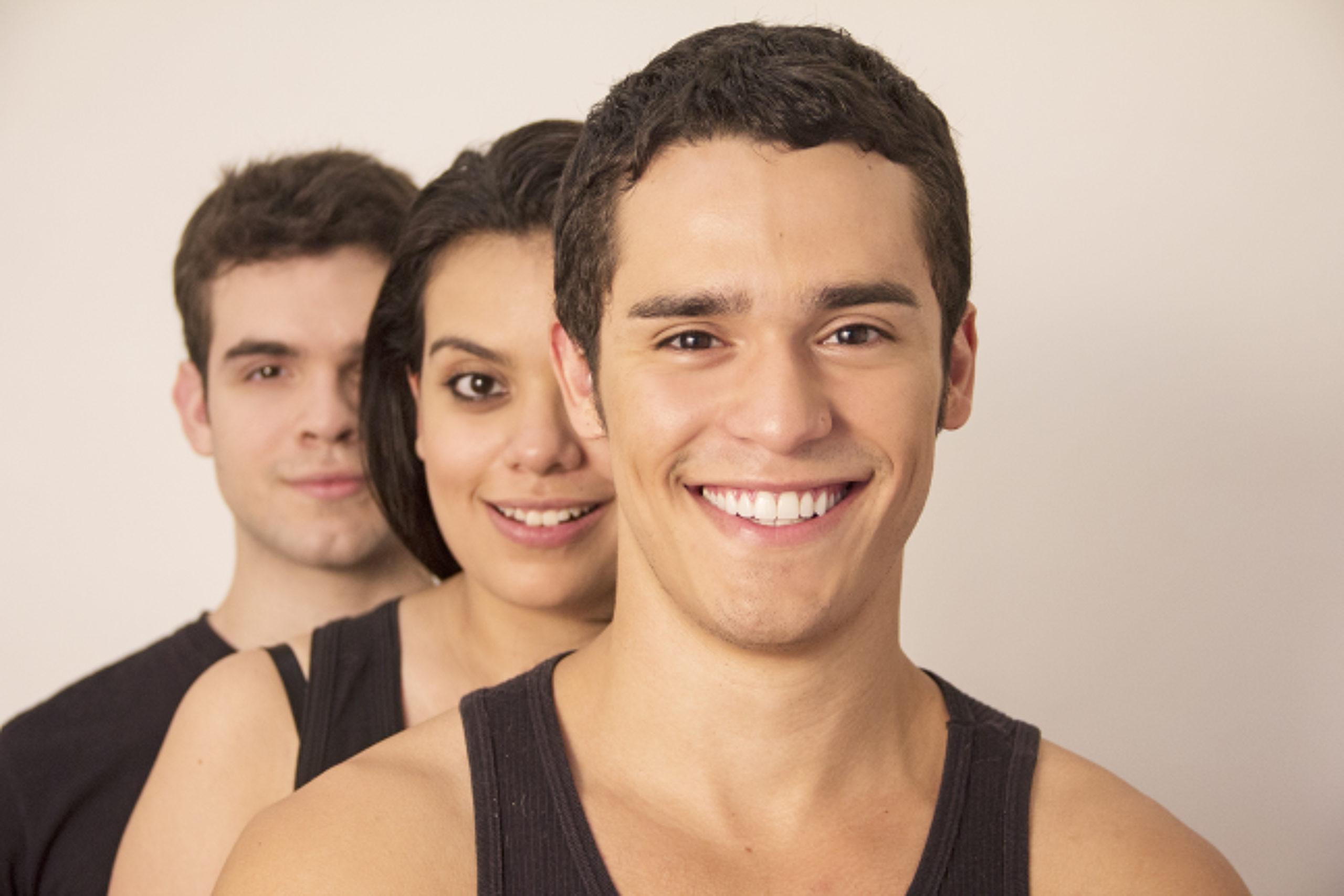 """Photo of Tabus da adolescência ganham destaque na peça """"Eu Nunca"""""""