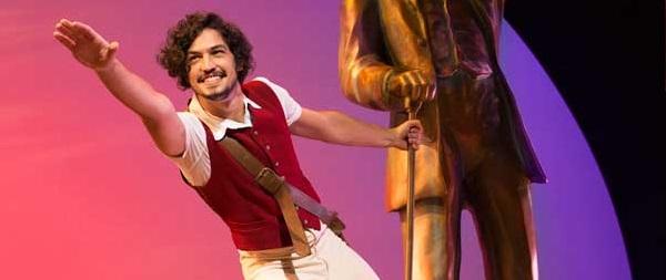 """Photo of Gabriel Leone fará apresentações especiais em """"Wicked"""" neste fim de semana"""