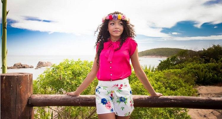 """Photo of Conheça Any Gabrielly, a princesa polinésia """"Moana"""", da nova animação da Disney"""
