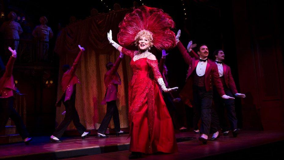 "Photo of ""Hello, Dolly!"" de volta à Broadway estrelado por Bette Midler"