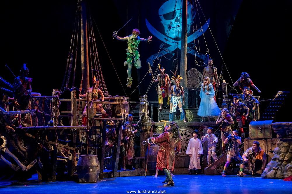 """Photo of Musical """"Peter Pan"""" estreia em São Paulo – Veja fotos do espetáculo"""