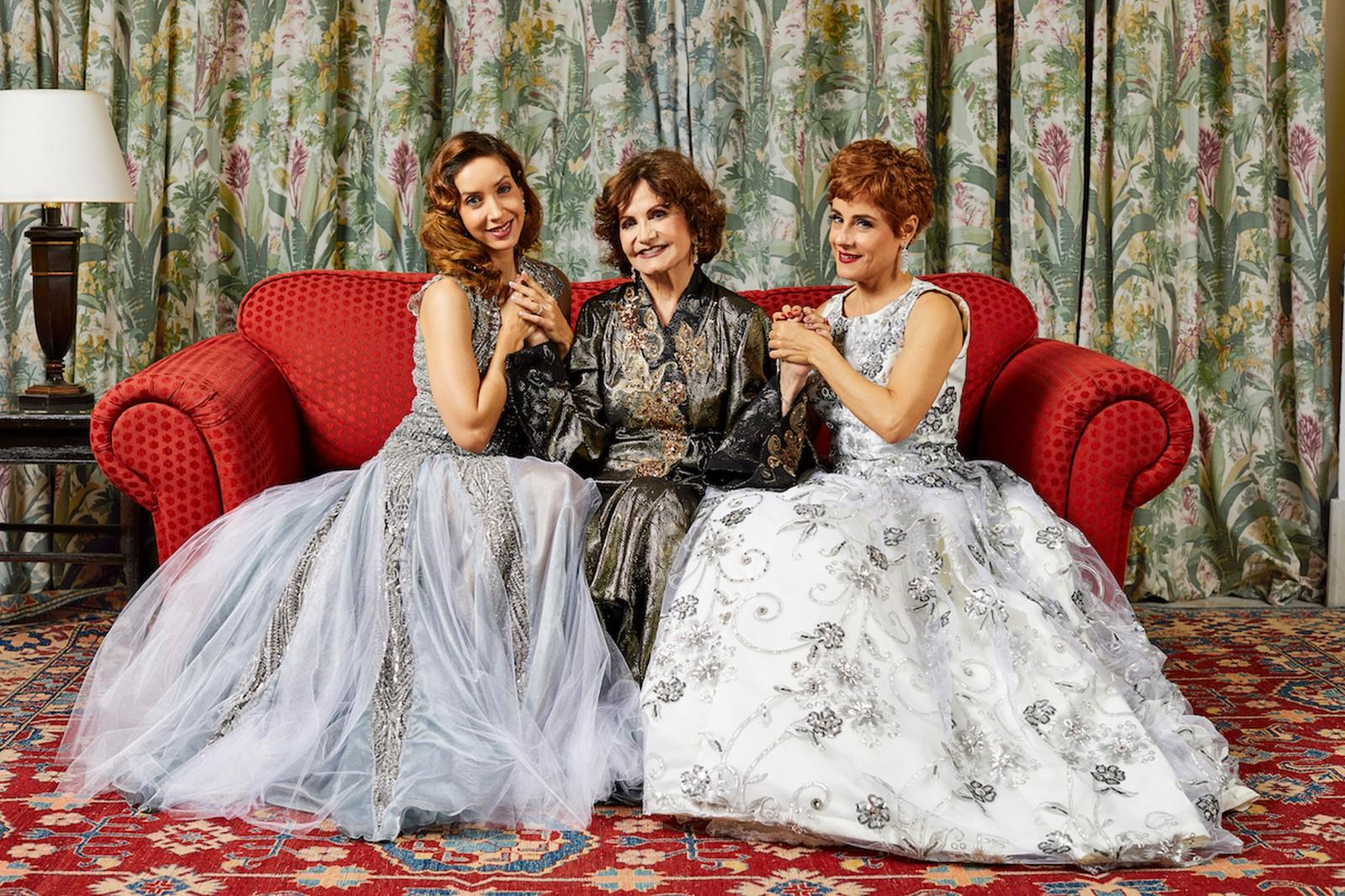 Photo of Kiara Sasso, Rosamaria Murtinho e Soraya Ravenle vivem Isaura Garcia em musical