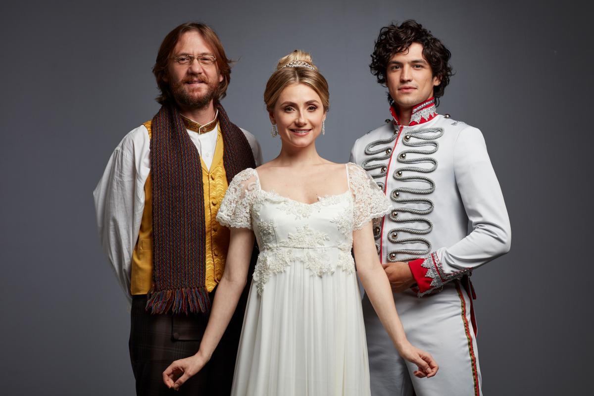 """Photo of Conheça o elenco de """"Natasha, Pierre e o Grande Cometa de 1812"""""""