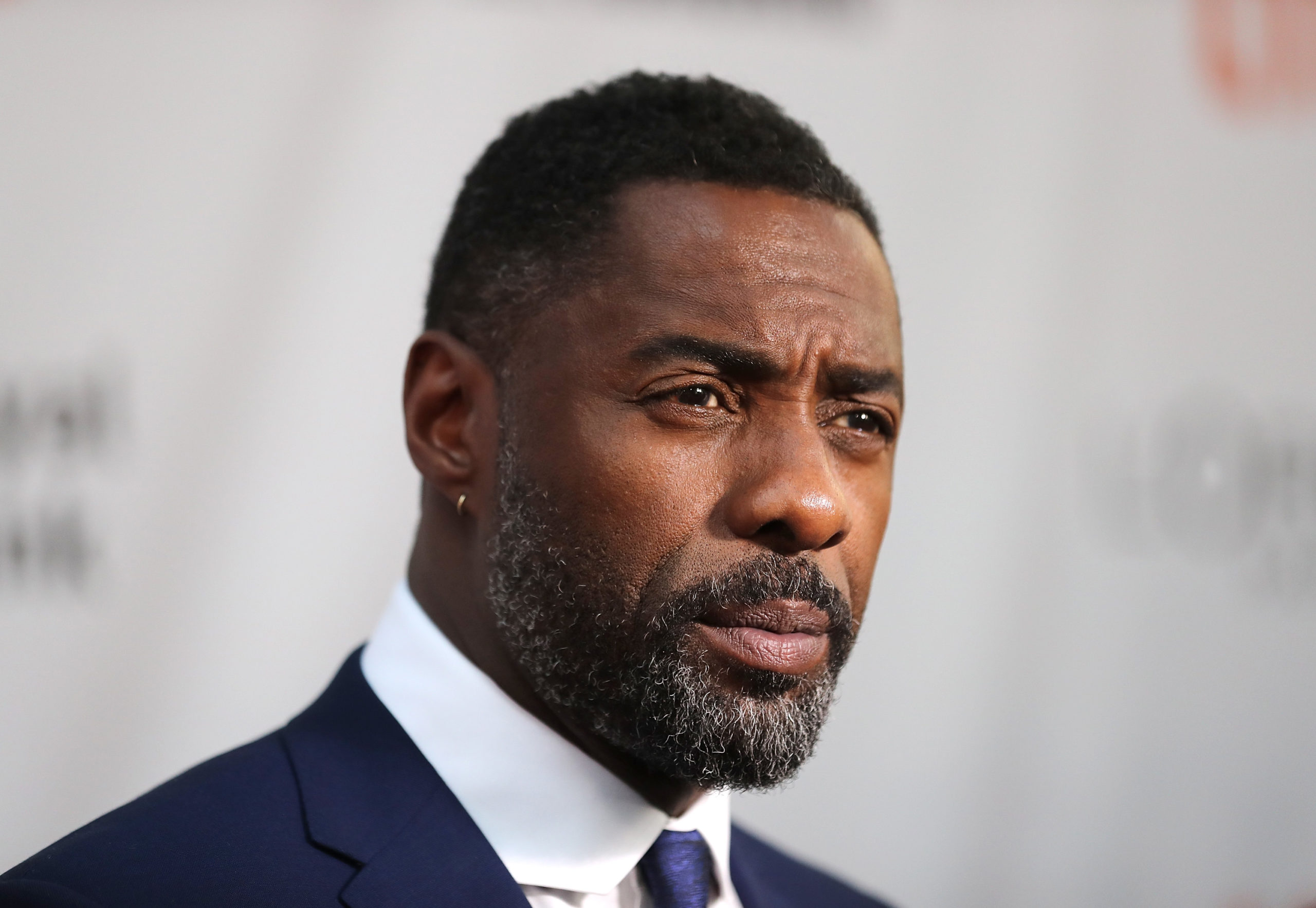 Photo of Idris Elba planeja musical sobre África do Sul pós-Nelson Mandela