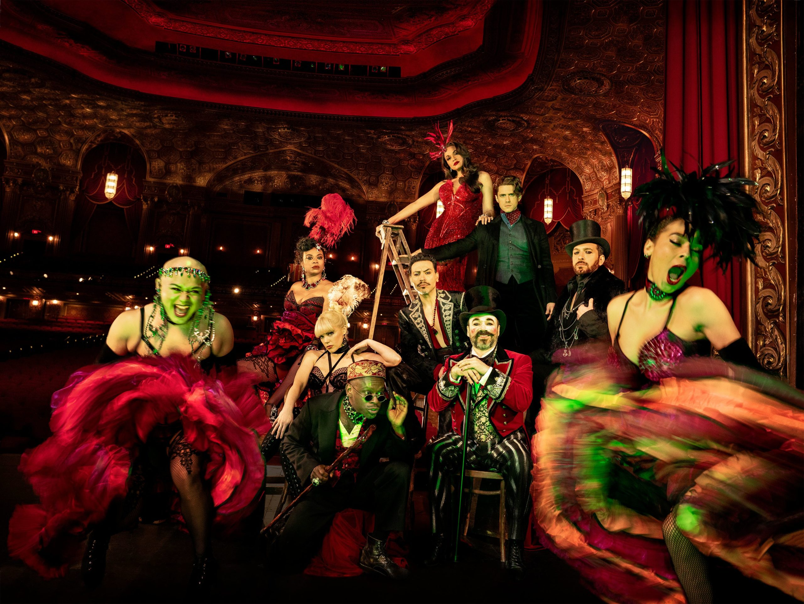 "Photo of Após estreia em Boston, musical ""Moulin Rouge!"" chega à Broadway"