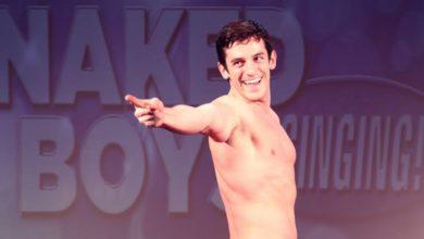 "Photo of Off-Broadway ""Naked Boys Singing!"" terá montagem brasileira em 2020"