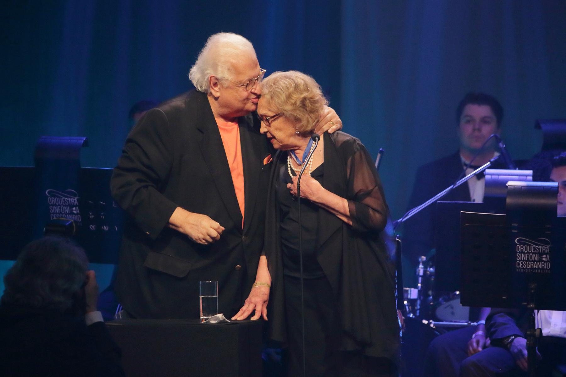 Carlos Alberto Serpa, Presidente da Fundação Cesgranrio, ao lado de Eva Wilma, grande homenageada da noite