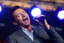"Photo of VEM VER! – Hugh Jackman canta hit de ""Dear Evan Hansen"""